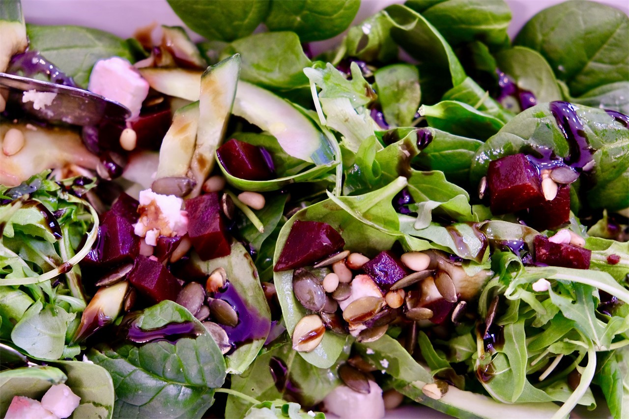 De Salon - Salade bij de lunch